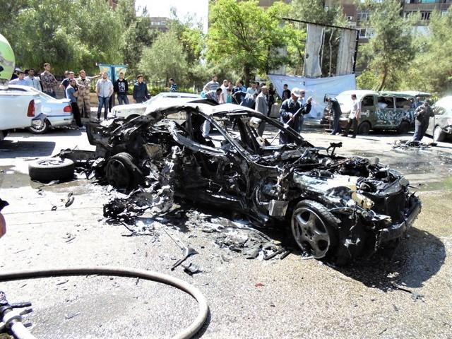 Atentado con coche bomba frente a casa - 29 abril 2013